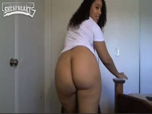 Naked pictures of thick light skin woman, erotic pirate porn